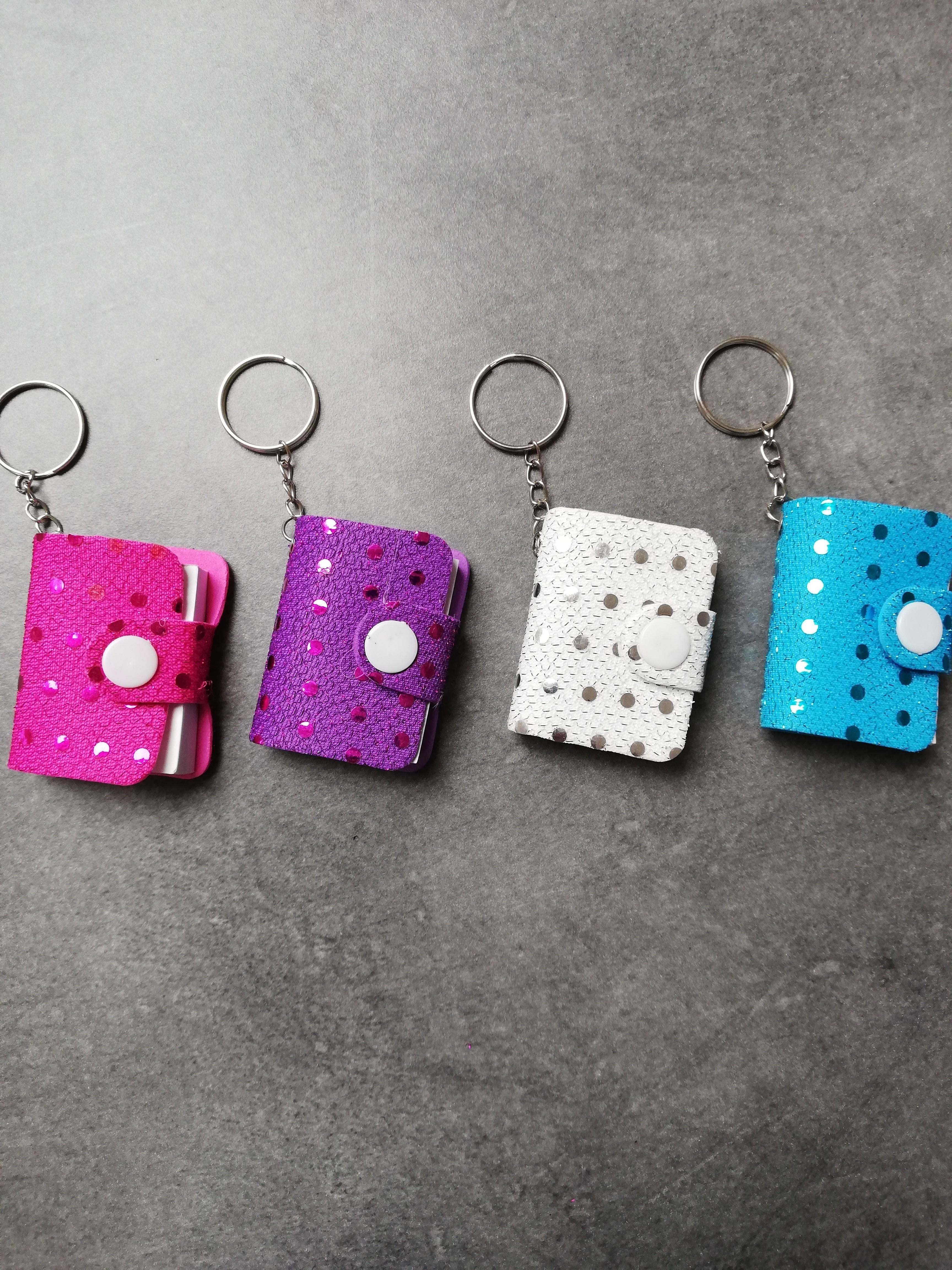 Porte-clés avec bloc-notes à paillettes 5cm