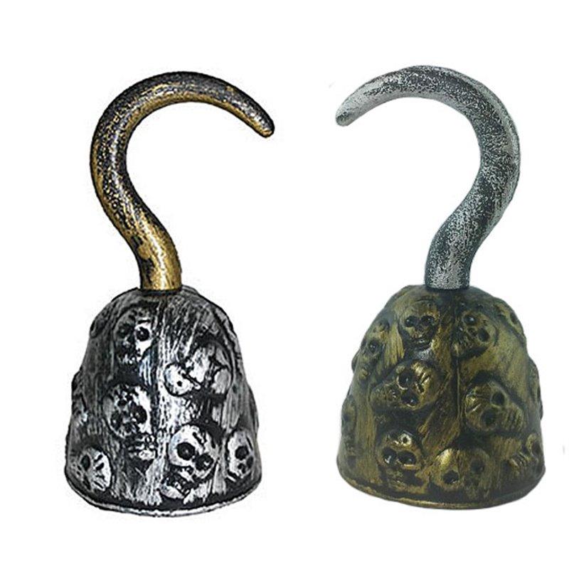Crochet de pirate doré gravure têtes de mort