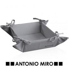 Panera Komy -Antonio Miró-