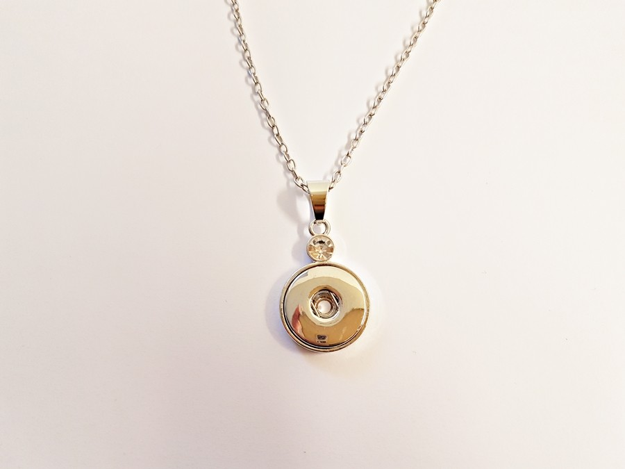 Collier simple et gros strass pour boutons pression