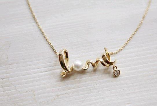 Collier Love avec strass et perle