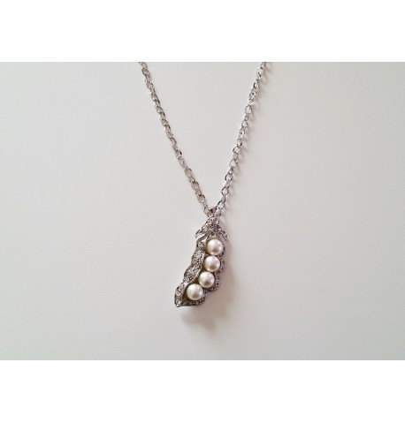 Collier pendentif haricot en perles