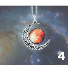 Collier avec pendentif croissant de lune et cabochon galaxie