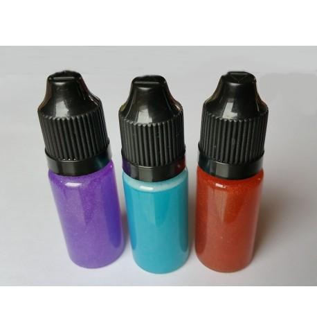 Flacon de liquide coloré nacré