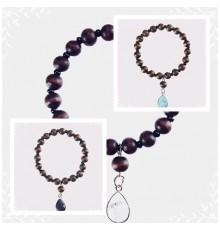 Bracelet goutte d'eau et perles en bois naturel.