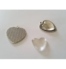 Pendentif coeur argenté et cabochon en verre