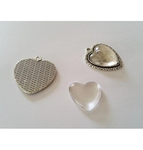 Cabochon en forme de coeur en verre