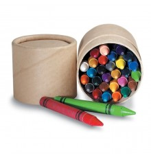 30 crayons de couleur en cire dans une boite en carton