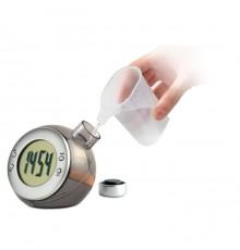 Horloge LCD alimentée par du liquide