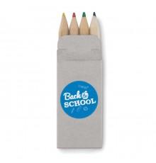 4 mini crayons de couleur dans une boit en carton